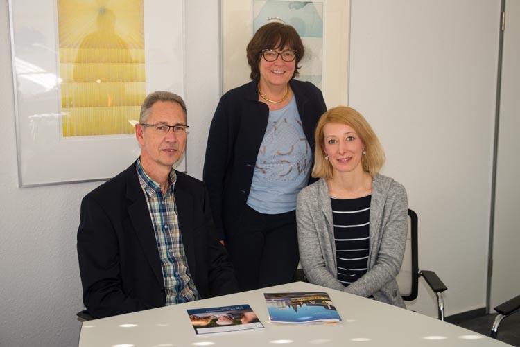 Die Geschäftsführerin des Bündnis Pflege, Friederike Oltmer, Sozialdezernentin Dagmar Sachse und der Bündnis-Vorsitzende Bernd-Günter Schwabe (von links) wollen die pflegerische Versorgungslandschaft nachhaltig verbessern.