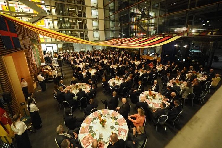 Den Service für die zahlreichen Gäste bei der Oldenburger Traditionsveranstaltung haben auch in diesem Jahr wieder der Deutsche Hotel- und Gaststättenverband (DEHOGA) und die Berufsbildenden Schulen III übernommen.