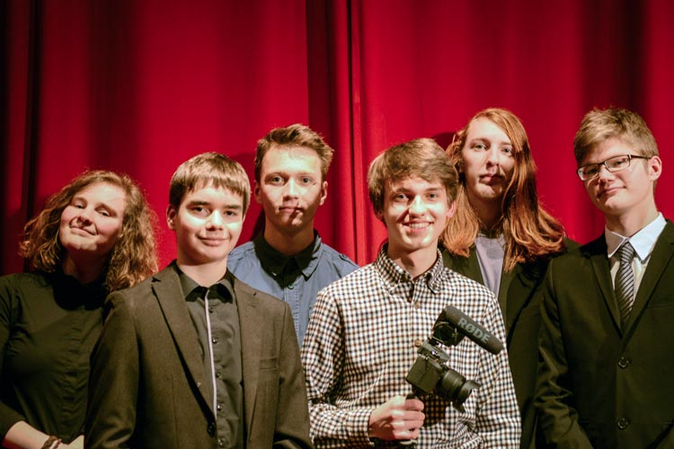 Die Teilnehmenden vom Neuen Gymnasium Oldenburg konnten mit ihrem Film Fixierte Augenblicke die U_ACT-Jury begeistern.