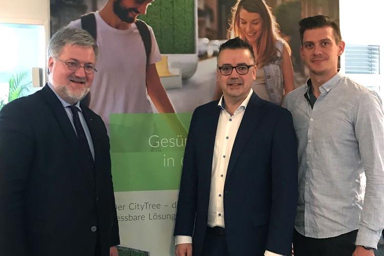 Stephan Albani, Christoph Baak und Peter Sänger (von links) haben sich in Berlin unterhalten.