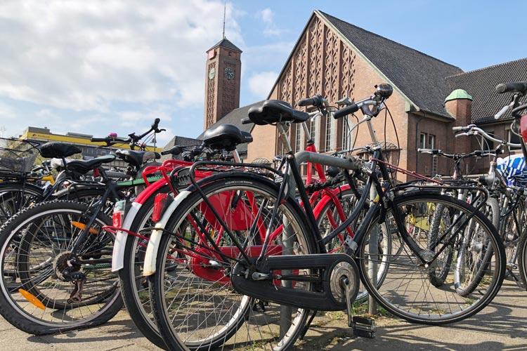 """Die Stadt Oldenburg nimmt in diesem Jahr zum ersten Mal am internationalen Wettbewerb """"Stadtradeln"""" teil und hofft auf den Titel der """"Fahrradaktivsten Kommune""""."""