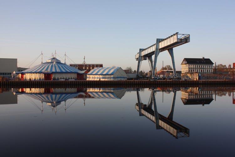 """Morgen werden der """"Theaterhafen"""" und der """"Uferpalast"""" in Oldenburg eröffnet."""