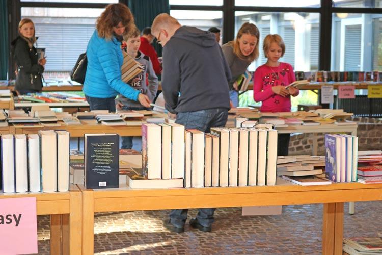 Bücherflohmarkt in der Tagesstätte am Borchersweg.