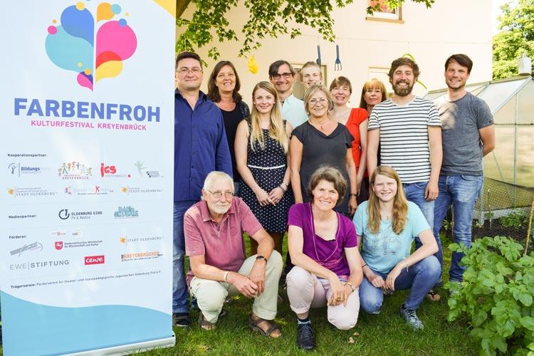 Die Planungsgruppe und die Förderer des Farbenfroh-Kulturfestivals.
