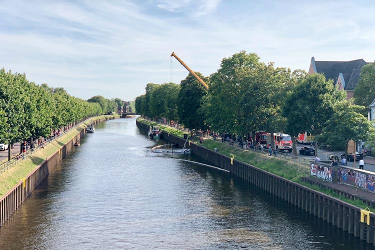Zwischen der Cäcilien- und der Amalienbrücke ist in Oldenburg heute ein Börteboot gesunken.