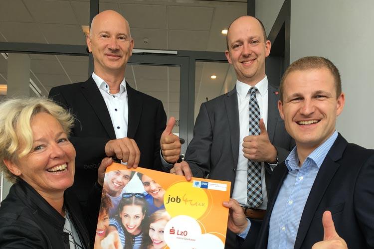 Iris Krause (job4u), Dr. Thomas Hildebrandt (stellvertretender IHK-Hauptgeschäftsführer), Holger Lottmann (Personalentwickler Öffentliche Versicherungen Oldenburg) und Manuel Schicke (Leiter Aus- und Fortbildung LzO).