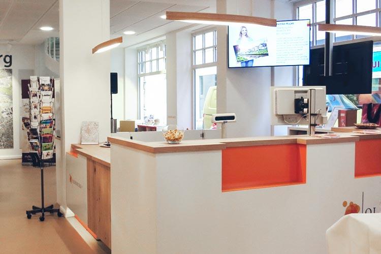 Die neue Oldenburger Tourist-Info am denkmalgeschützten Lappan soll Treffpunkt für Information, Begegnung und Austausch sein.