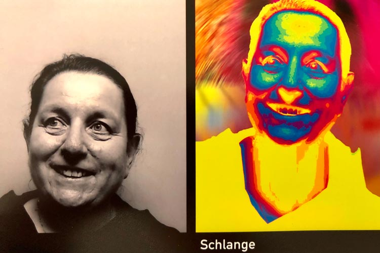 Die Künstlerin Klara Hobza will das Selfie aus der Isolation herausholen. Ihre Tierblickmaschine lädt zum Mitmachen ein.