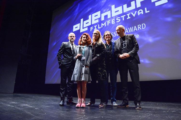 RP Kahl, Gabriela Ramos, Deborah Kara Unger, Buddy Giovinazzio und Torsten Neumann bei der Vergabe des Seymour Cassel Award für eine herausragende darstellerische Leistung.