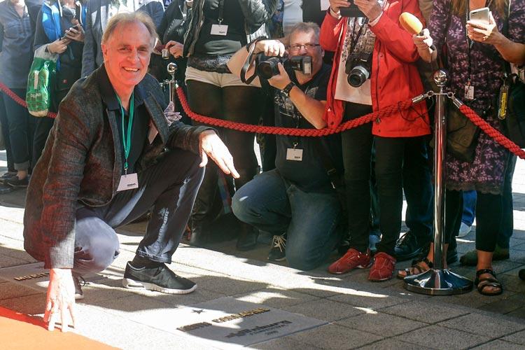 Keith Carradine wurde heute mit dem 12. Stern auf dem OLB-Walk of Fame geehrt.