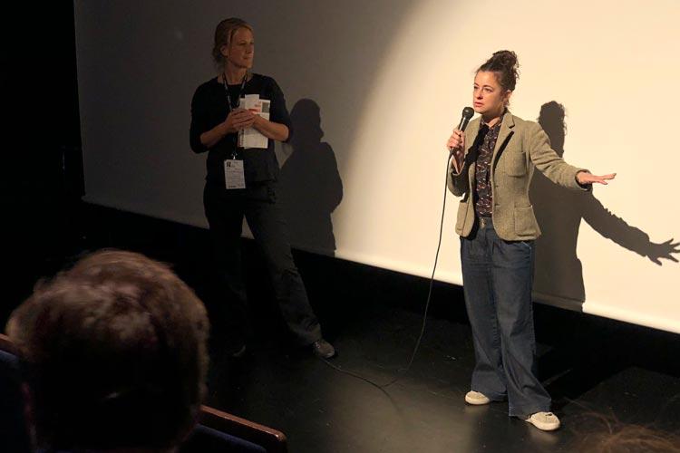 Melissa Miller Constanzo beim Q&A nach der Premiere von All these small Moments.