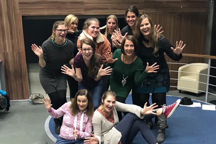 Die Sängerinnen und Sänger verzichten für den guten Zweck auf ihre Gage. Ziel ist ein neuer Bus für die Förderschule Borchersweg.