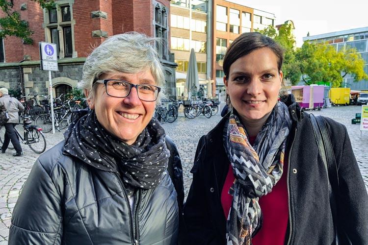 Die Gleichstellungsbeauftragten Renate Vossler und Wiebke Oncken (von links) feiern heute mit ihren Vorgängerinnen und geladenen Gästen in der Kulturetage das 30-jährige Bestehen ihres Büros.