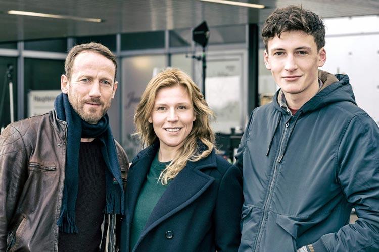 Wotan Wilke Möhring (Thorsten Falke), Franziska Weisz (Julia Grosz) und Levin Liam (Torben Falke).
