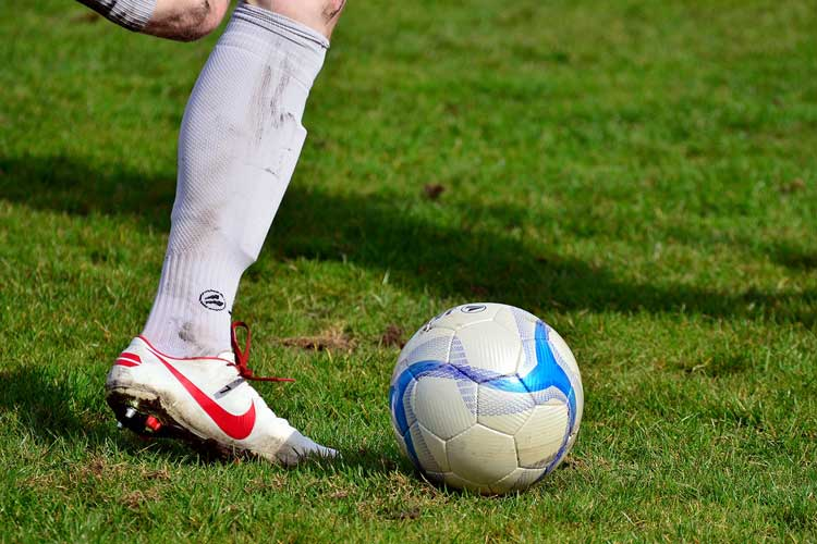 Zum dritten Mal findet ein Fußballturnier für den guten Zweck statt. Der Fanclub St. Pauliatrie lädt dazu ein.
