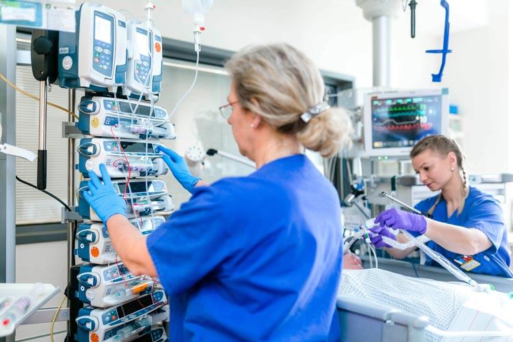 Pflegekräfte des Klinikums Oldenburg im täglichen Einsatz.