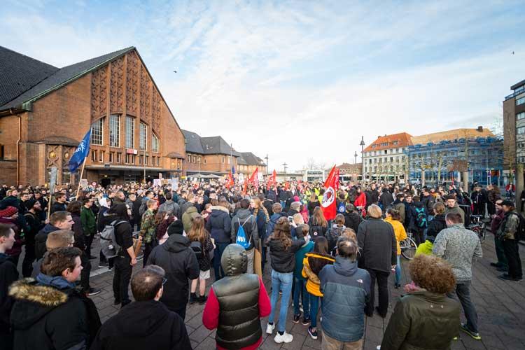 Mehr als 1000 Teilnehmer zählte die Polizei bei der Demonstration gegen die EU-Urheberrechtsreform.