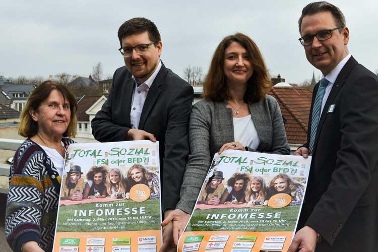 """Fenni Lambers, Daniel Lüttmann, Natalie Ratzmann und Andre Kerber (von links) laden zur Informationsmesse """"Total Sozial"""" ein."""