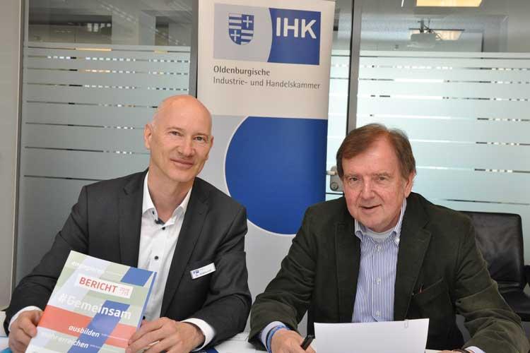 IHK-Hauptgeschäftsführer Dr. Thomas Hildebrandt (links) und IHK-Präsident Gert Stuke zogen Bilanz.