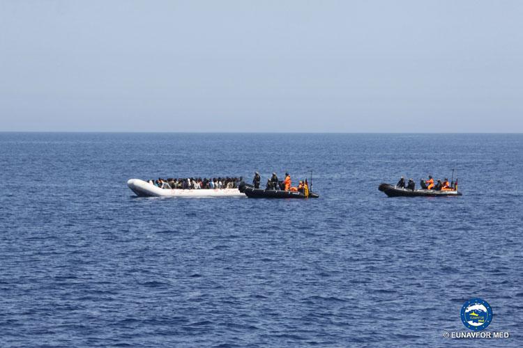 Das Bündnis aus Verbänden und Organisationen fordert eine Neuausrichtung der deutschen und europäischen Asylpolitik.