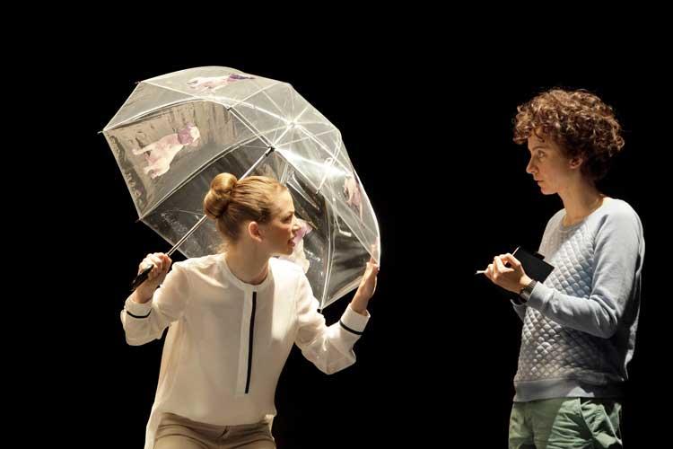 """""""Supergute Tage"""" mit Franziska Werner (rechts) in der Hauptrolle ist ab November im Kleinen Haus in der sechsten Spielzeit zu sehen."""