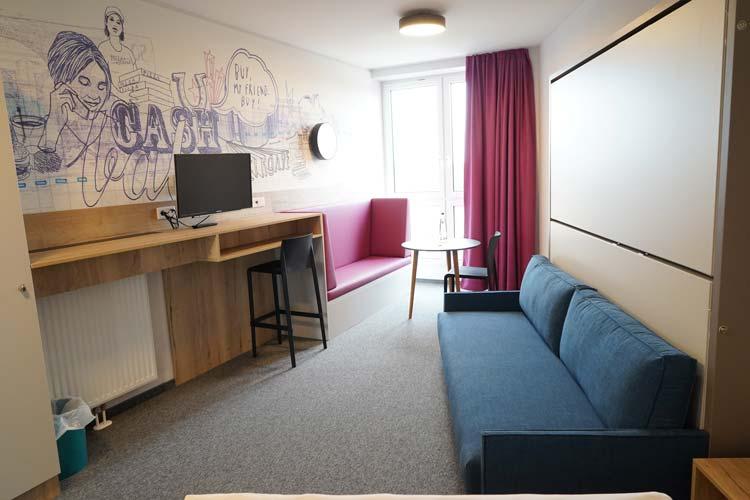 Es gibt auch kleinere Räume, beispielsweise für die Lehrkräfte.