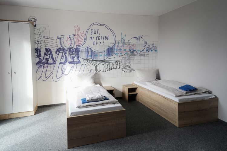 Die größten Zimmer der neuen Jugendherberge haben vier Betten.