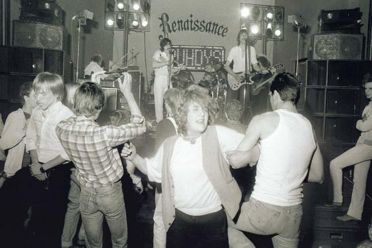"""Das """"Renaissance"""" ist 1991 abgebrannt. 1980 haben hier die Puhdys gespielt."""