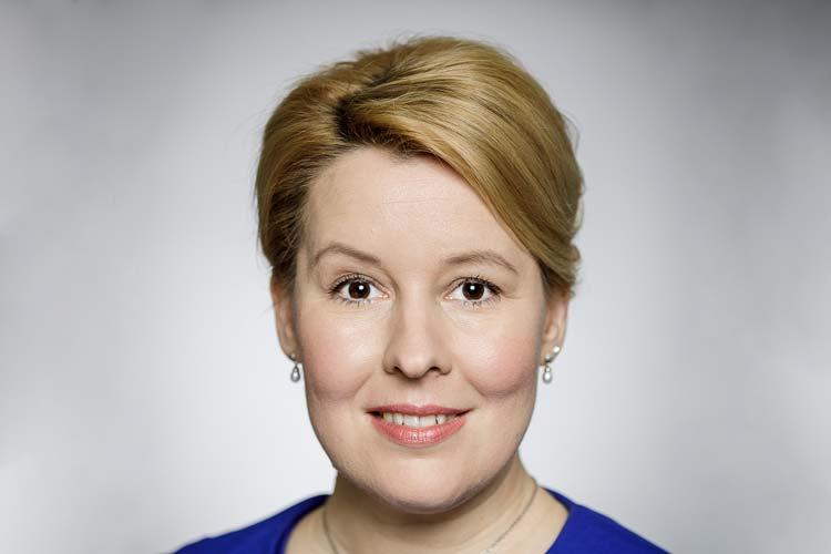 Ob die Bundesfamilienministerin Franziska Giffey demnächst Oldenburgs Insignien der Macht als Kohlkönigin erhält, wird sich zeigen.
