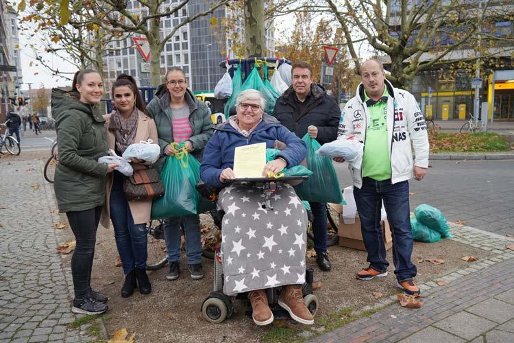 Kümmern sich um Bedürftige (von links): Annika Fittje, Kadriye Müstak, Mona Körber, Susanne Steffgen, Heiko Körber und Oliver May.