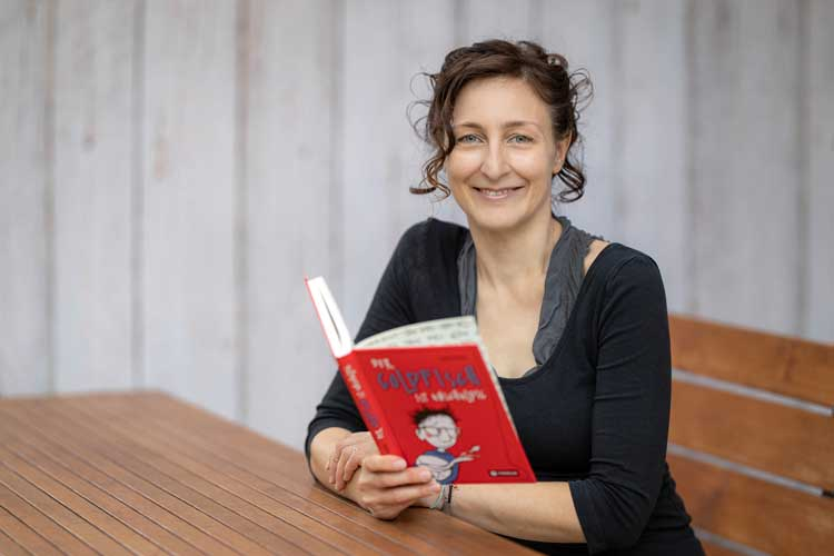 """Tanja Fabsits taucht in """"Der Goldfisch ist unschuldig"""" ins Leben des zwölfjährigen Henri ein."""