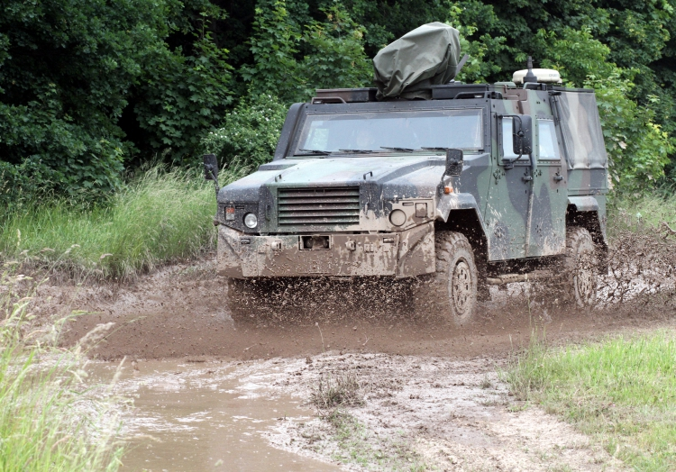 Gepanzertes Bundeswehr-Auto, über dts Nachrichtenagentur