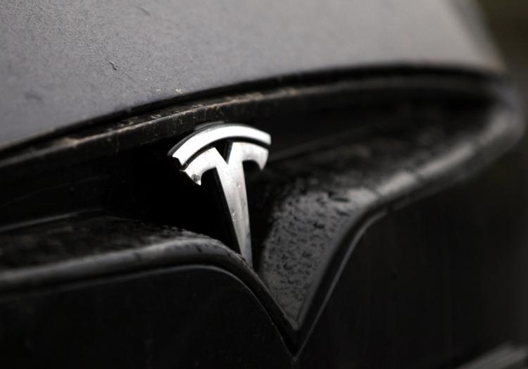Tesla-Auto, über dts Nachrichtenagentur