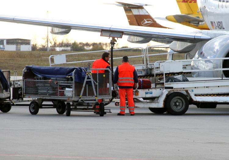 Gepäckverladung am Flughafen, über dts Nachrichtenagentur