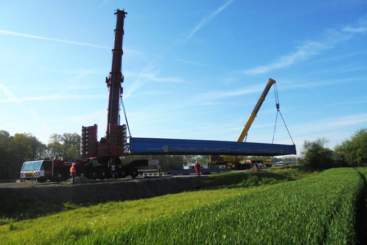 Der Überbau wurde 2017 im Hafen Bockholt eingelagert.