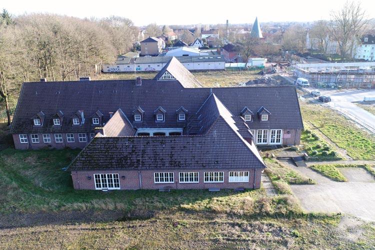 Die Stadt erhofft sich brauchbare Nutzungskonzepte für das ehemalige Offizierskasino auf dem Fliegerhorst.