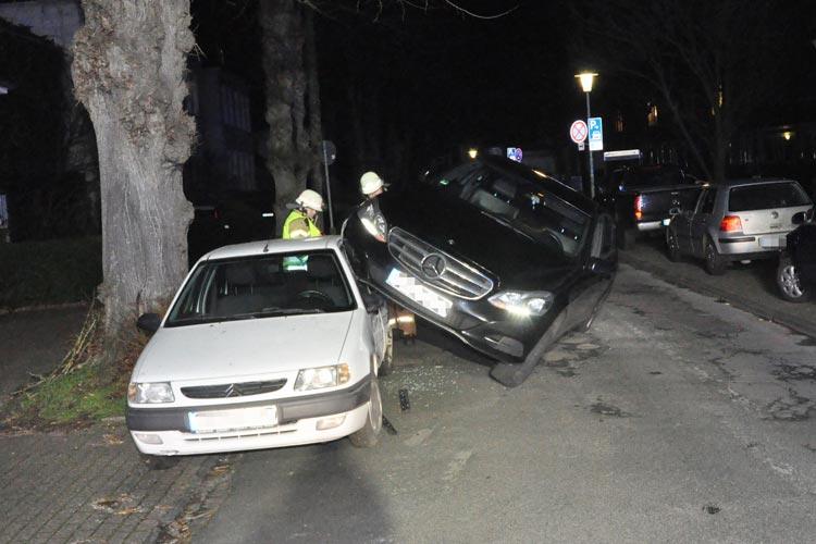 Ein ungewöhnlicher Unfall ereignete sich gestern Abend in der Ulmenstraße.