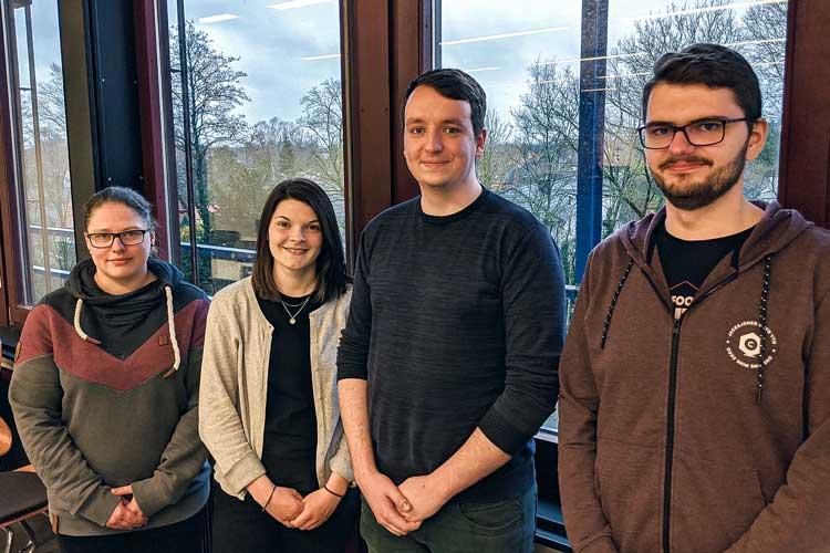 Freuen sich über den 3. Platz beim diesjährigen informatiCup (von links): Alexandra Söhnitz, Lea Bünting, Mathis Bückmann und Marius Lewrick.
