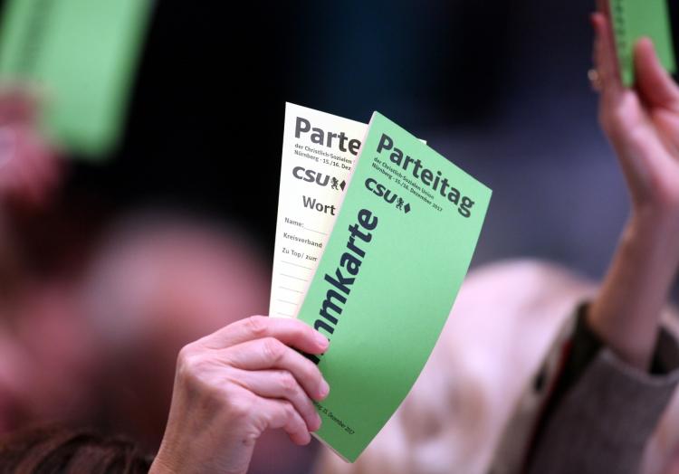 Abstimmung auf CSU-Parteitag, über dts Nachrichtenagentur