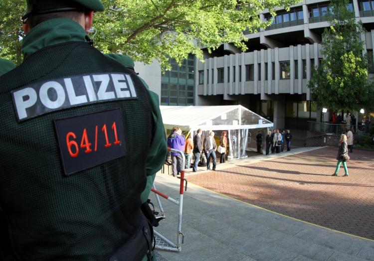 Polizist beim NSU-Prozess vor dem Strafjustizzentrum München, über dts Nachrichtenagentur