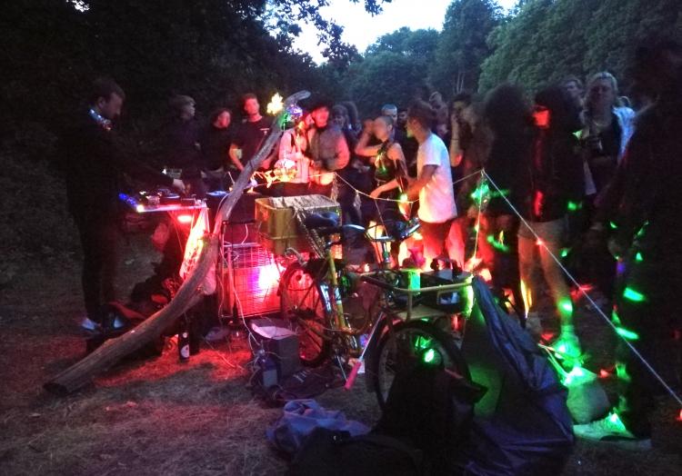 Illegaler Rave während Coronakrise, über dts Nachrichtenagentur