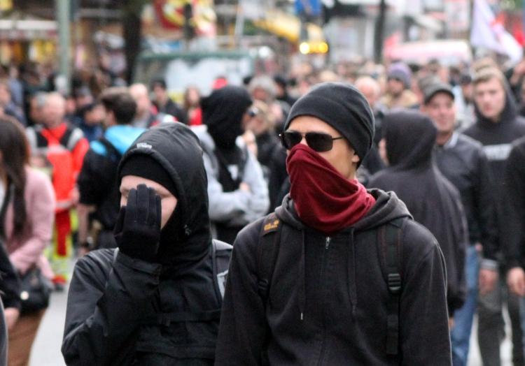 Linksextremisten aus dem ´Schwarzen Block´, über dts Nachrichtenagentur