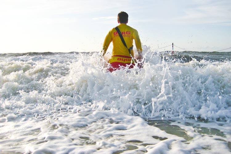 Die DLRG-Empfehlung lautet: Nutzen Sie die bewachten Badestellen.