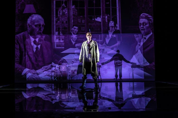 """Fabian Kulp ist als Beckmann in """"Draußen vor der Tür"""" im Kleinen Haus des Oldenburgischen Staatstheaters zu sehen."""