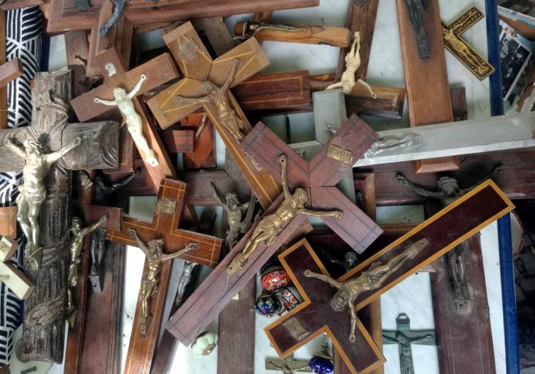 Holzkreuze, über dts Nachrichtenagentur