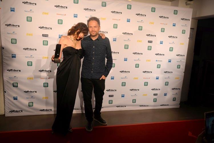"""Paz de la Huerta bekam den Seymour Casell Award -Outstanding Performance-Female Actor für die Hauptrolle im Eröffnungsfilm """"Puppy Love"""". Regisseur Michael Maxxis erhielt für """"Puppy Love"""" den """"Spirit of Cinema Award""""."""