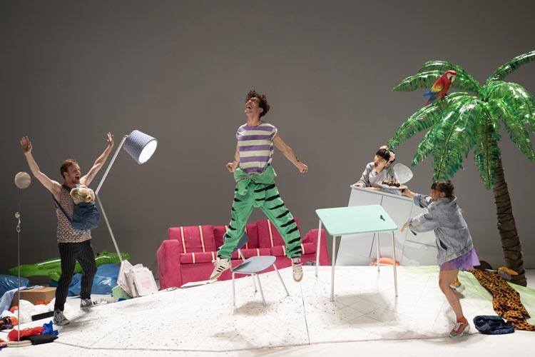"""Die BallettCompagnie Oldenburg zeigt derzeit im Kleinen Haus das Stück """"Apartment 7a"""" von Alessandra Corti für Menschen ab neun Jahren."""