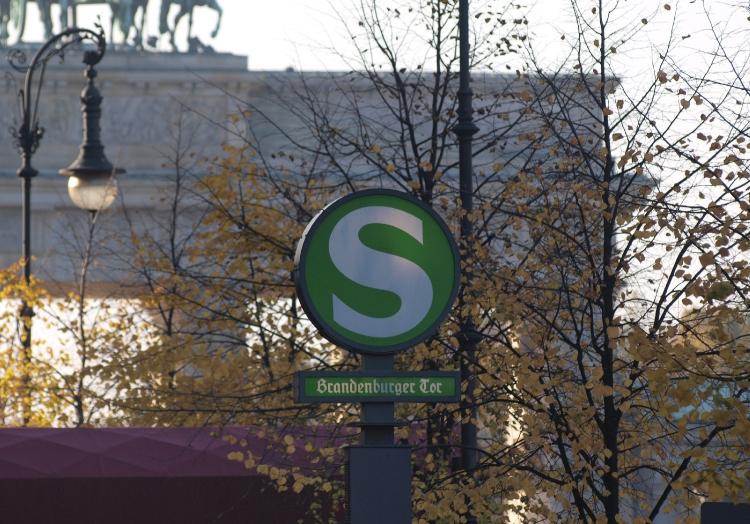 S-Bahn-Station am Brandenburger Tor in Berlin, über dts Nachrichtenagentur