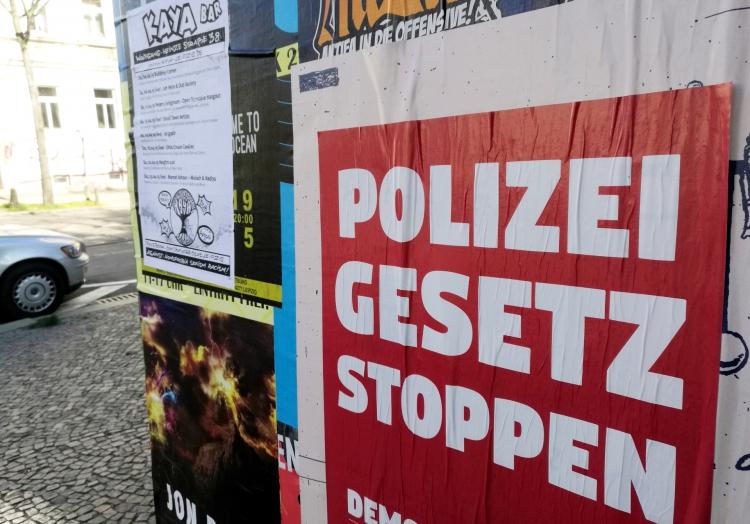 Plakat gegen Polizeigesetz in Leipzig-Connewitz, über dts Nachrichtenagentur