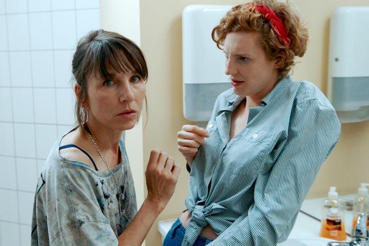 Meret Becker und Luise Wolfram.